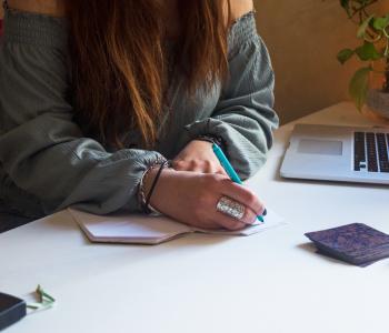 Cinque differenze tra pianificare e procrastinare sui social media
